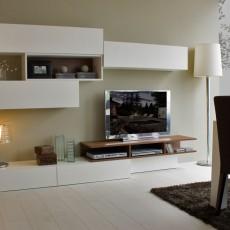 Mueble de salón moderno que combina el blanco y el nogal canaleto