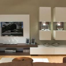 Mueble de comedor moderno con vitrinas, panel , tarimas y módulo con dos cajones