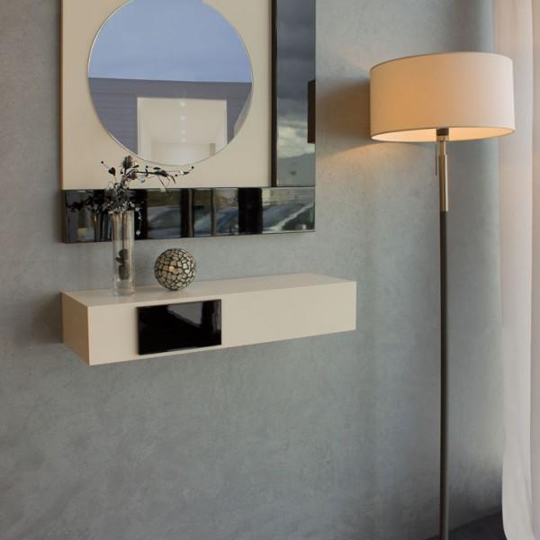 Recibidor de diseño con espejo circular