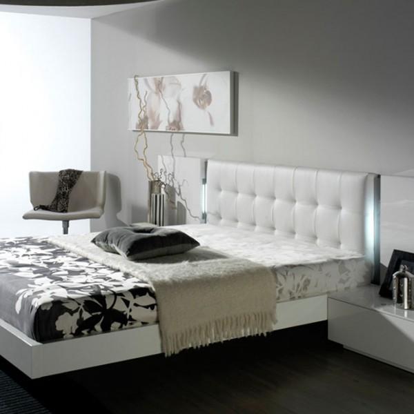 Dormitorio de diseño con tiras LED táctil